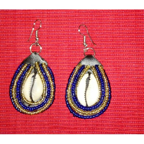 Oval Beaded Earing with Sea shell